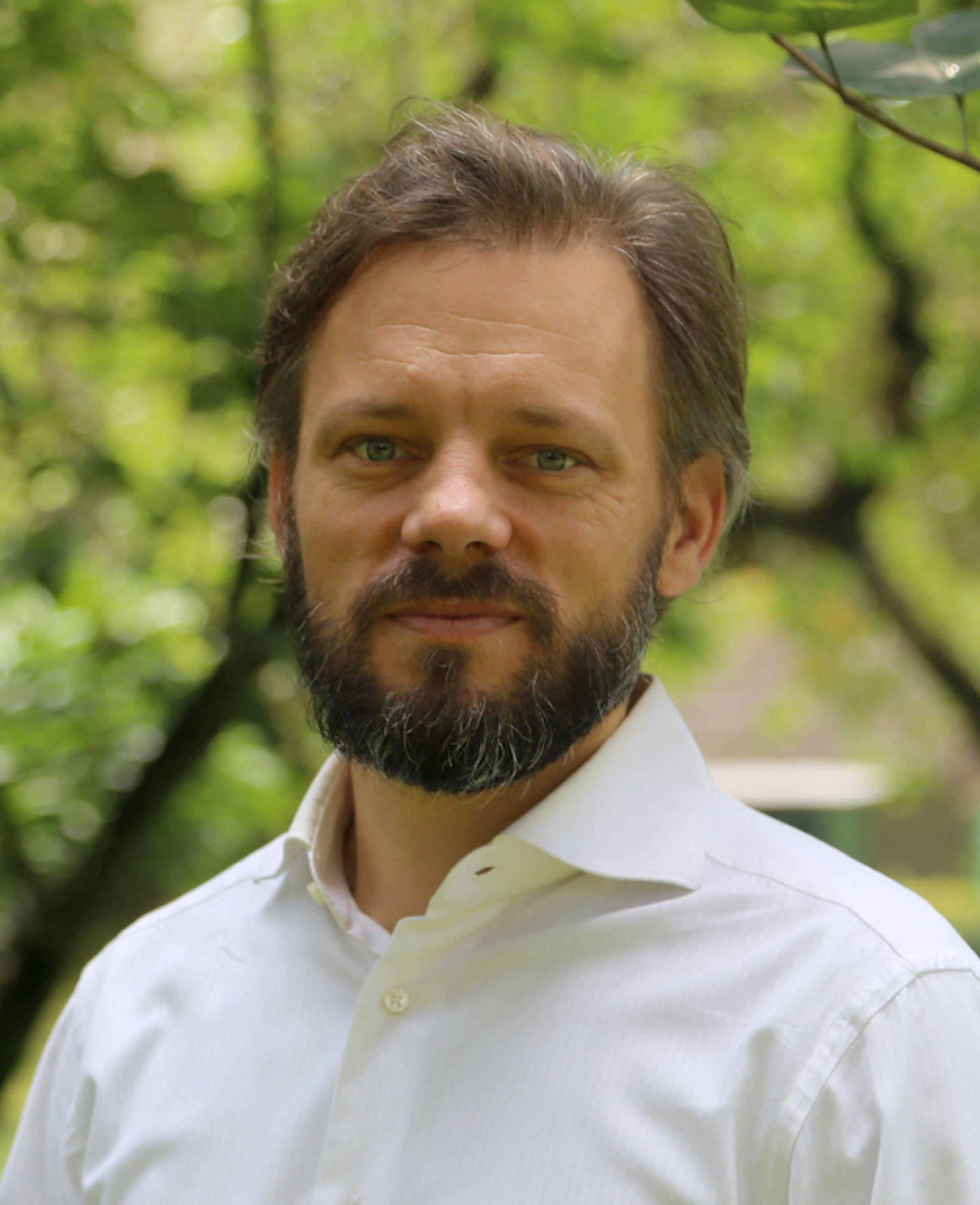 Dr VINCENT GITZ